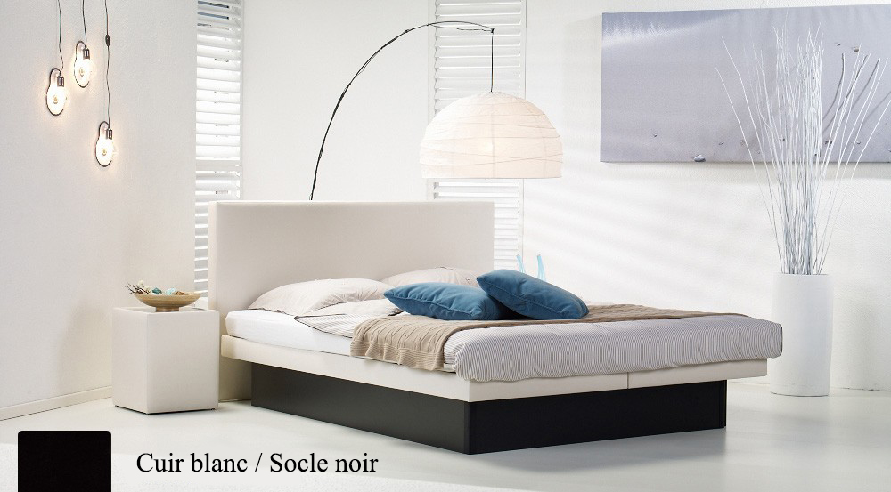 Lit a eau Custom blanc socle noir par Waterbed France